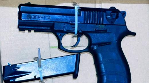 يافا: ضبط مسدس في سيارة واعتقال شاب