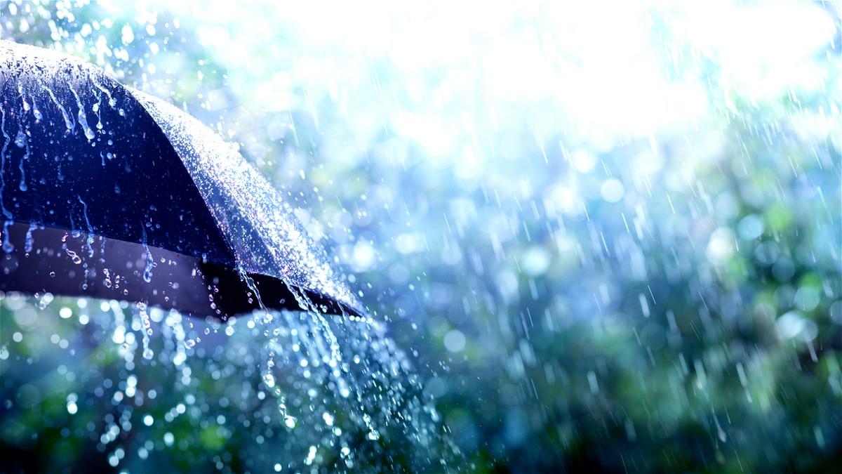 حالة الطقس: انخفاض على درجات الحرارة وامطار متفرقة