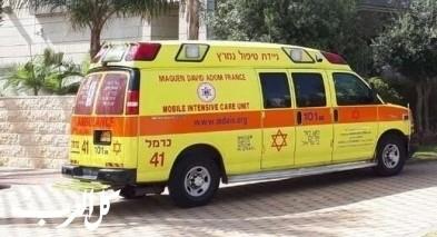 نهاريا: انقاذ طفل بعد نسيانه داخل سيارة بمركز تجاري