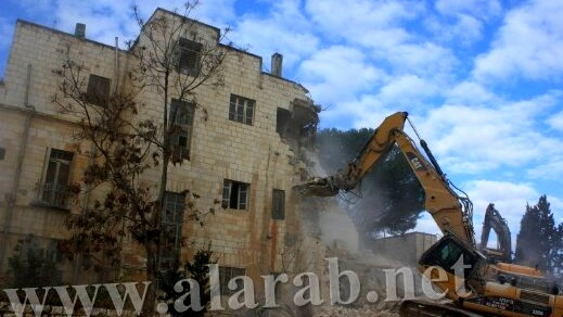 سكّان حيّ الشيخ جراح في القدس يطالبون العليا بحمايتهم من الإخلاء