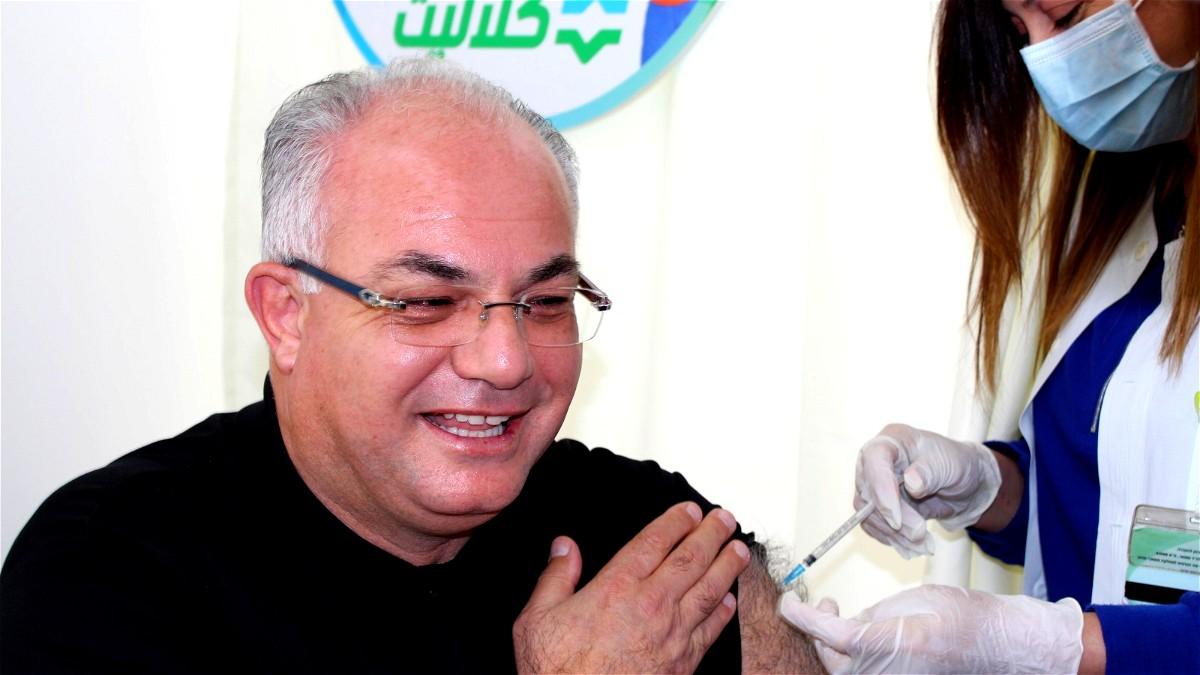 رئيس بلدية الطيبة: التطعيم ضروري