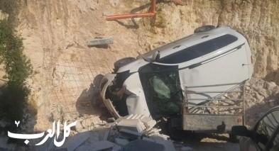 بئر المكسور: إصابة اثر انقلاب سيارة