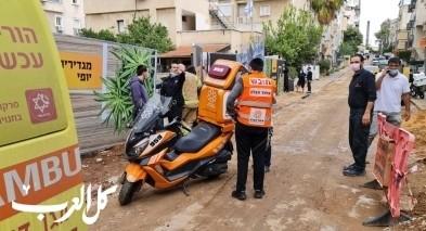 اصابة عامل اثر سقوطه عن علو بورشة بناء في بني براك