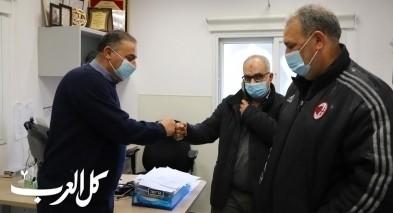رئيس مجلس كفرقرع يتابع اخر مستجدات كورونا