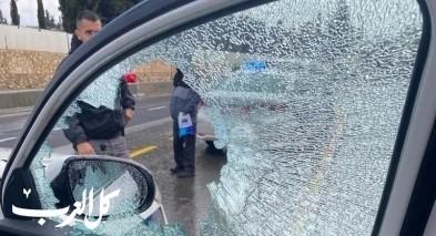 القدس: اصابة شرطي بعد القاء حجارة على سيارة للشرطة