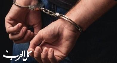 جسر الزرقاء: اعتقال مشتبه بإضرام النار بمركبة