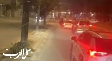 رهط: شبان يوقفون حركة السير ويقومون باطلاق النار
