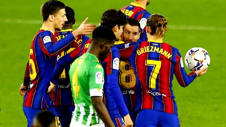 برشلونة يحقق الفوز (3-2) على مضيفه ريال بيتيس