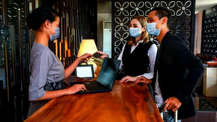 الهستدروت بالتعاون مع اتحاد الفنادق تُقدمان قسائم شراء للعاملين