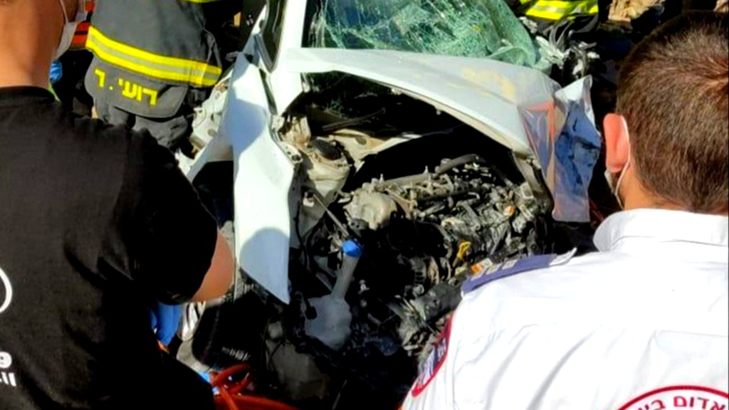 اصابة شاب اثر حادث طرق على شارع 446