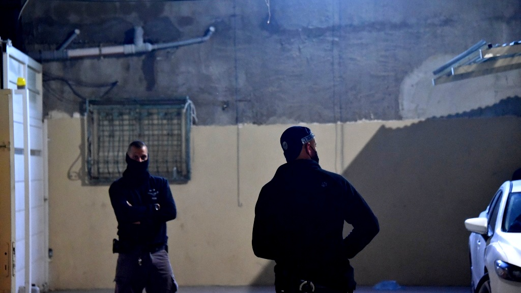 اعتقال 13 مشتبهًا من الفريديس بمحاولة قتل واطلاق نار