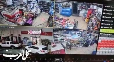 فيديو- توثيق سرقة خزنة محطة وقود سونول قرب عيلبون