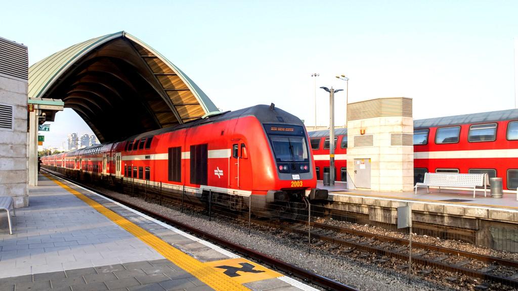 وقف حركة القطارات خلال حظر التجوّل الليلي