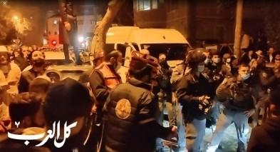 فيديو-القدس: هجوم للحريديم على سائق عربي