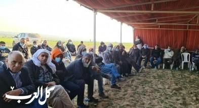 اجتماع طارئ في خيمة الاعتصام بقرية خربة الوطن