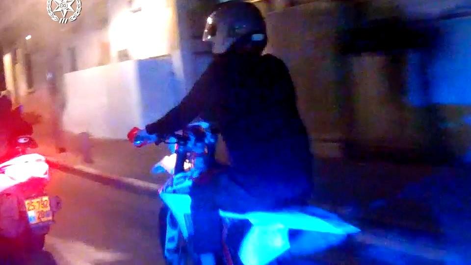 فيديو-يافا: اعتقال سائق دراجة نارية من ام الفحم