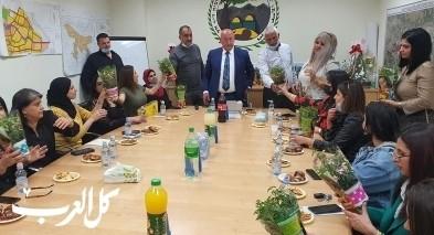 مجلس دير الأسد يهنئ موظفاته بيوم الأم