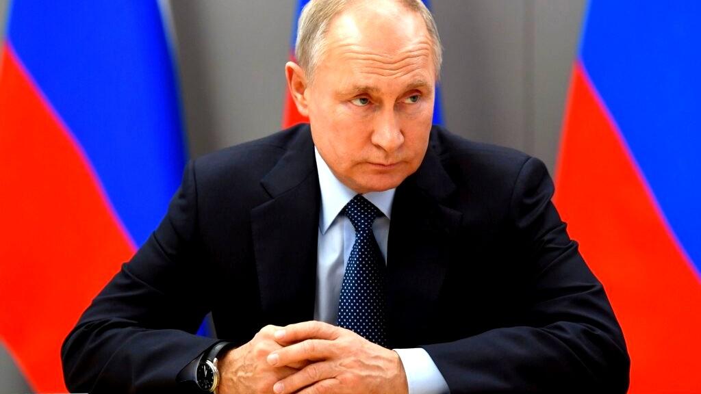 بوتين يتلقى لقاح كورونا.. والكرملين يرفض الإفصاح عن ن