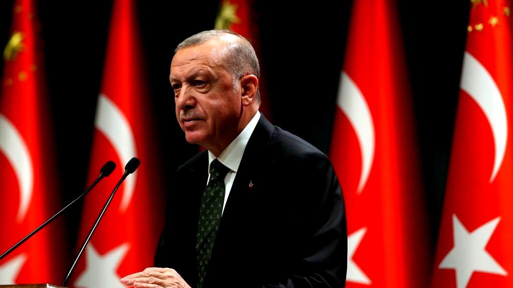 تركيا: المعارضة تحمل أردوغان مسؤولية انخفاض قيمة الليرة