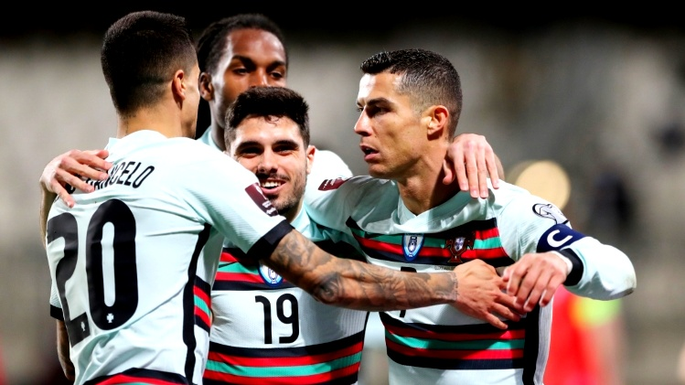 البرتغال تفوز على لوكسمبورغ وهولندا تسحق جبل طارق