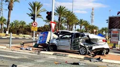 اصابة 3 اشخاص بجراح متفاوتة في حادث طرق في بئرالسبع