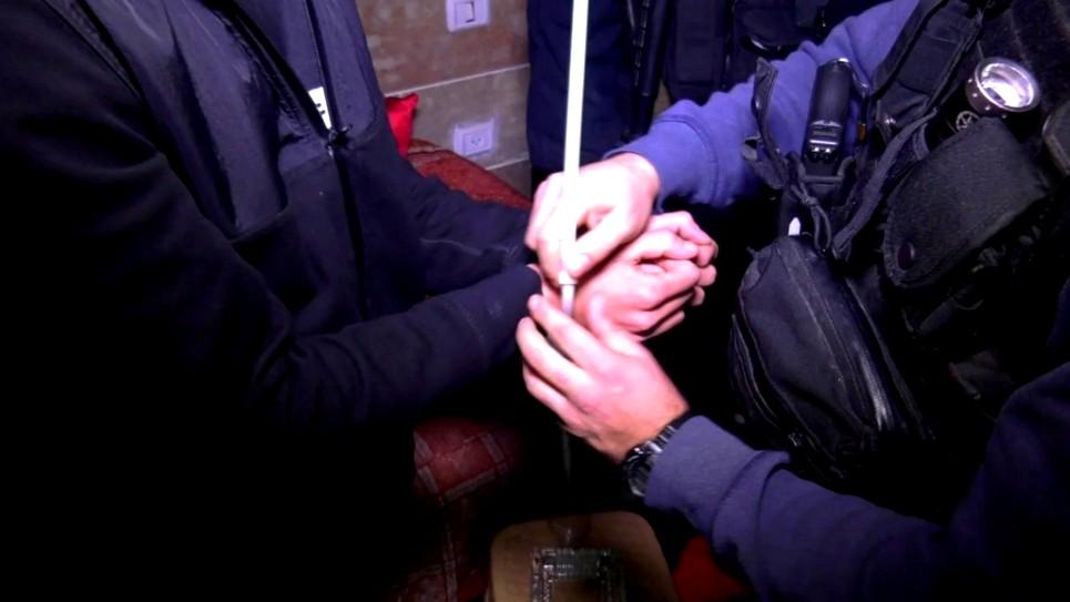 يافا تل أبيب: إعتقال مشتبهين بينهما قاصر بإطلاق نار