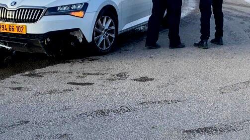 النقب: مطاردة بوليسية تنتهي بإصابة شرطيين بجراح