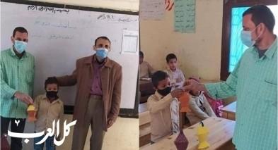 مصر| معلم مسيحي يحتفي برمضان