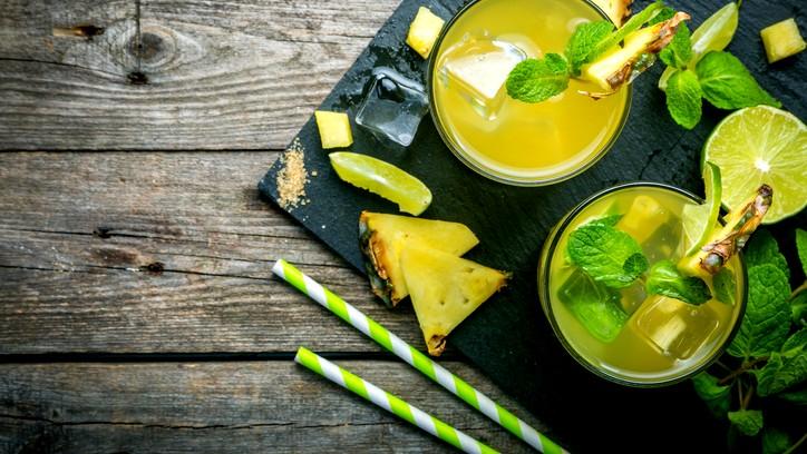 طريقة تحضير الليموناضة بالأناناس