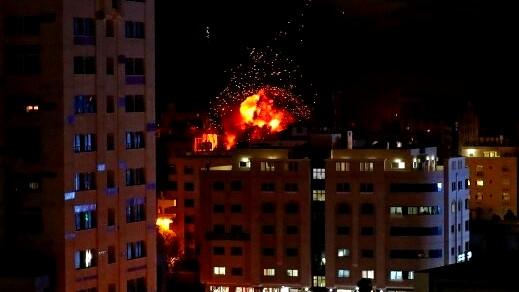 قصف إسرائيلي يستهدف مواقع في قطاع غزة