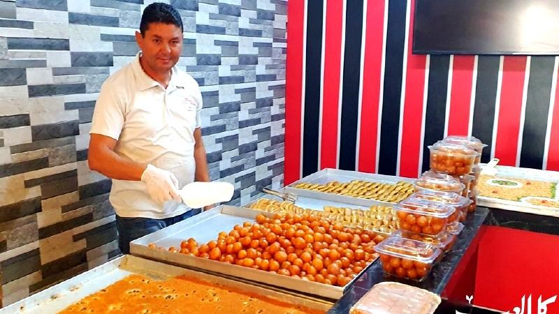 القطايف والعوامة أشهر حلويات رمضان