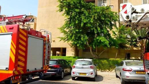 اندلاع حريق شبّ داخل سيارة شارع انفاق هاريئيل - القدس