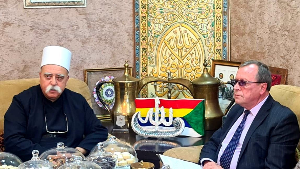 الشيخ موفق طريف يلتقي بالسفير الروسي
