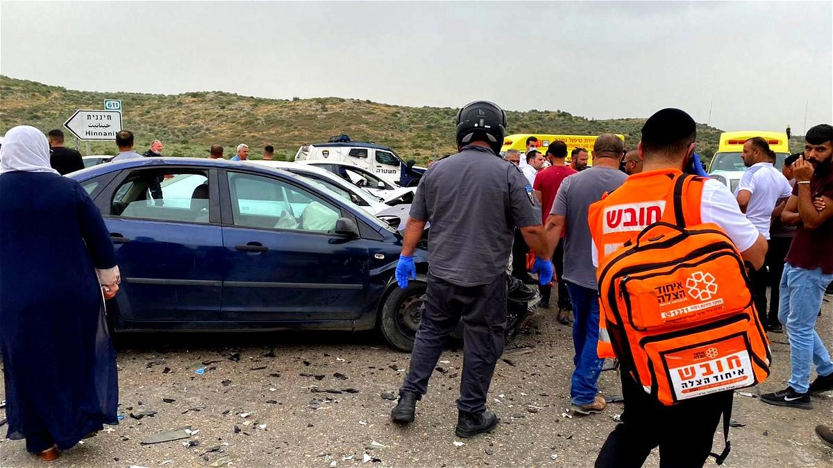 اصابتان في حادث طرق قرب برطعة