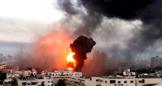 مصادر: استشهاد 3 مواطنين بقصف اسرائيلي بغزة