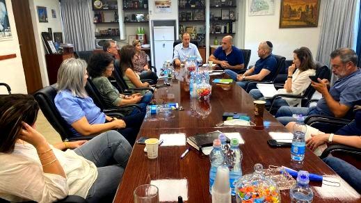رئيس بلدية عكا يدعو لنبذ العنف والمحافظة على المدينة