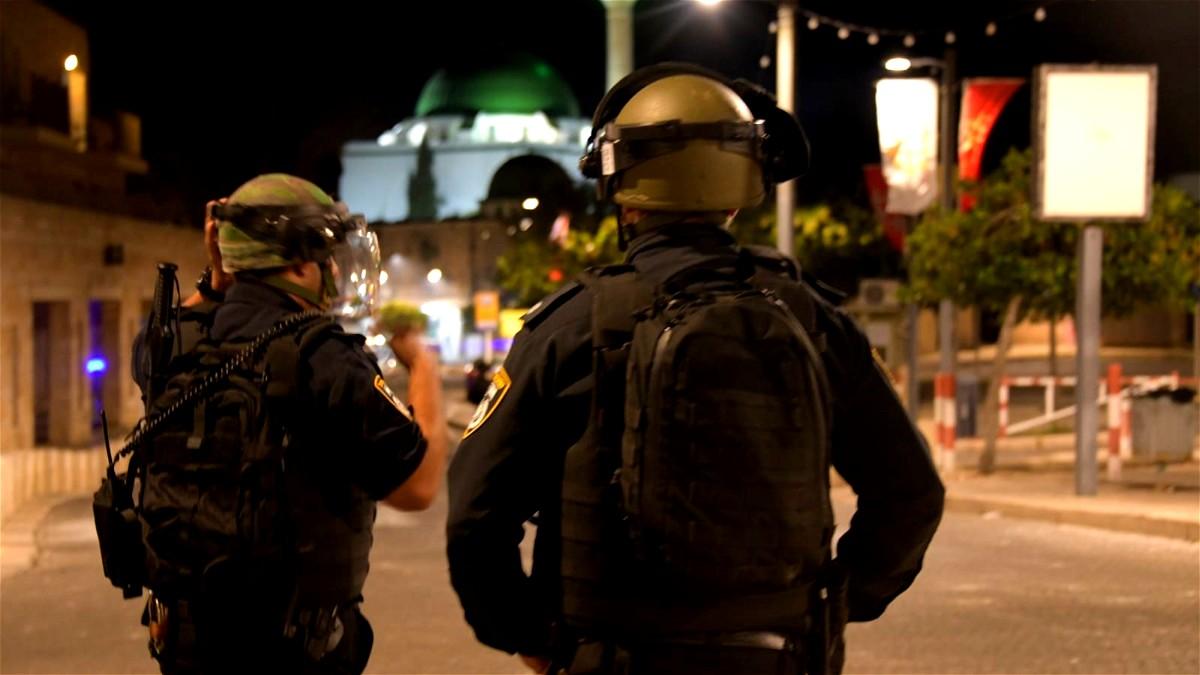 مواجهات عنيفة في مدينة عكا بين العرب واليهود