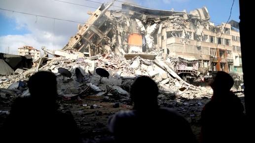 اسرائيل تستهدف عدة مواقع لحركة حماس