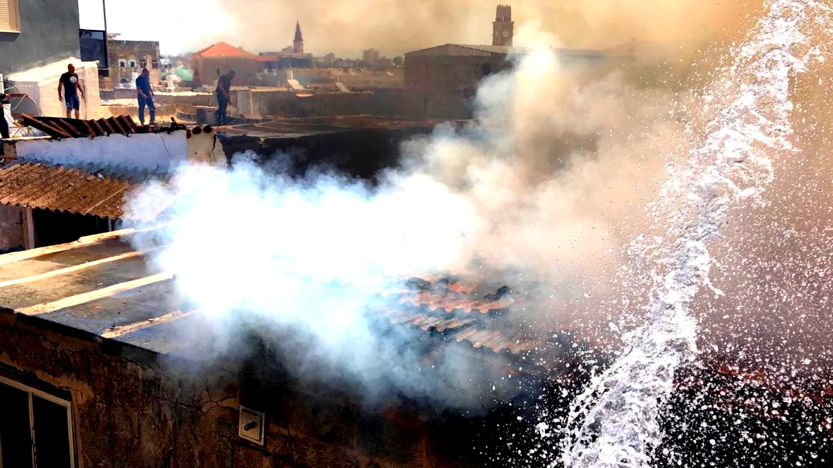 عكا: اعتقال مشتبهين بحرق فندق ومطعم