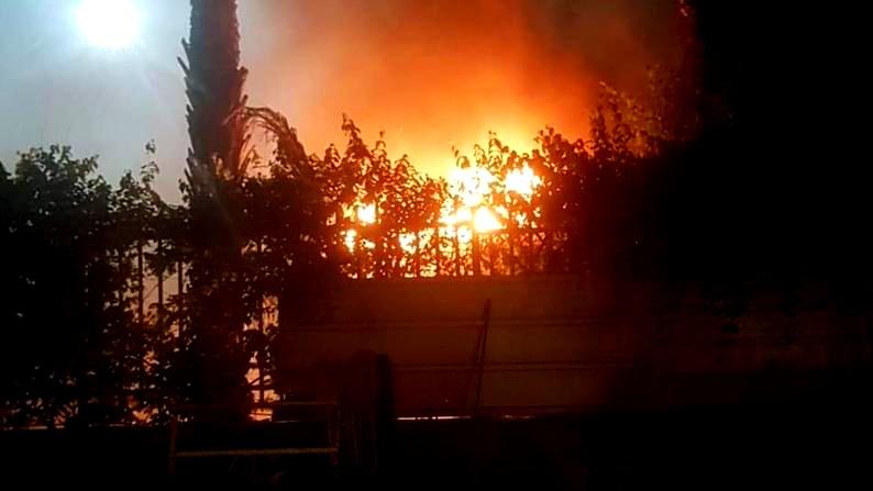 قلنسوة: احراق مركز الشرطة في المدينة