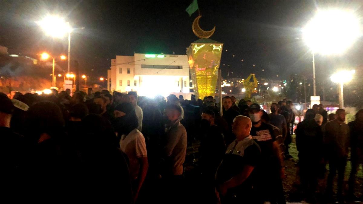 أم الفحم: المئات من الشبان يتظاهرون نصرةً للقدس وغزة