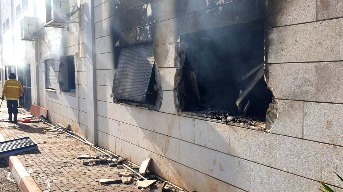 ام الفحم: اعتقال مشتبه بحرق مركز الشرطة الجماهيرية