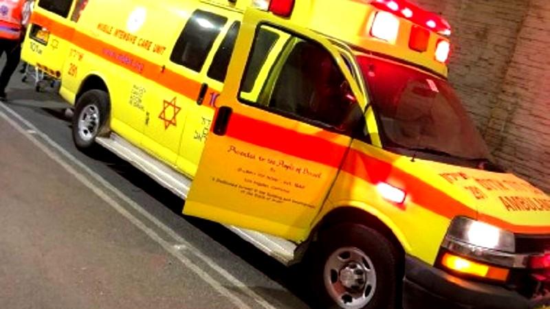المقيبلة: اصابة شاب بجراح خطيرة في حادث طرق