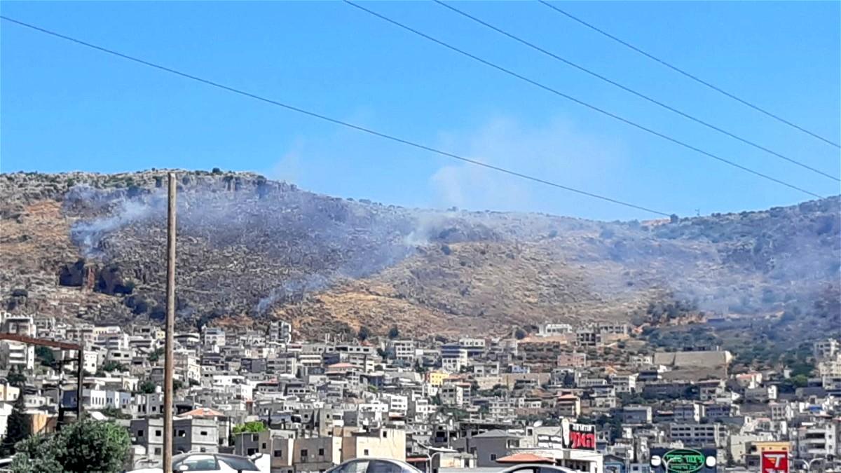 دير الاسد: حريق كبير قرب مدرسة العين