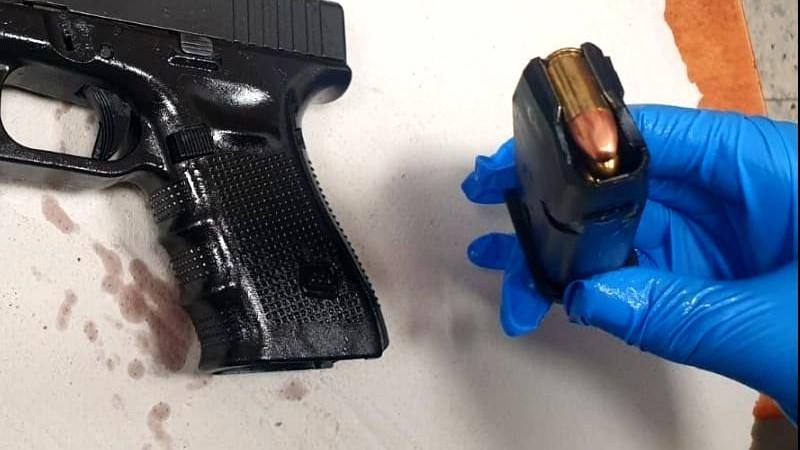 ضبط مسدس غير قانوني في قرية سالم