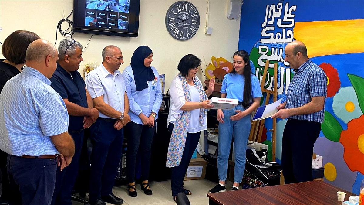 زهراء الناصرة: تكريم الطالبة نور الهدى ناصر دراوشة
