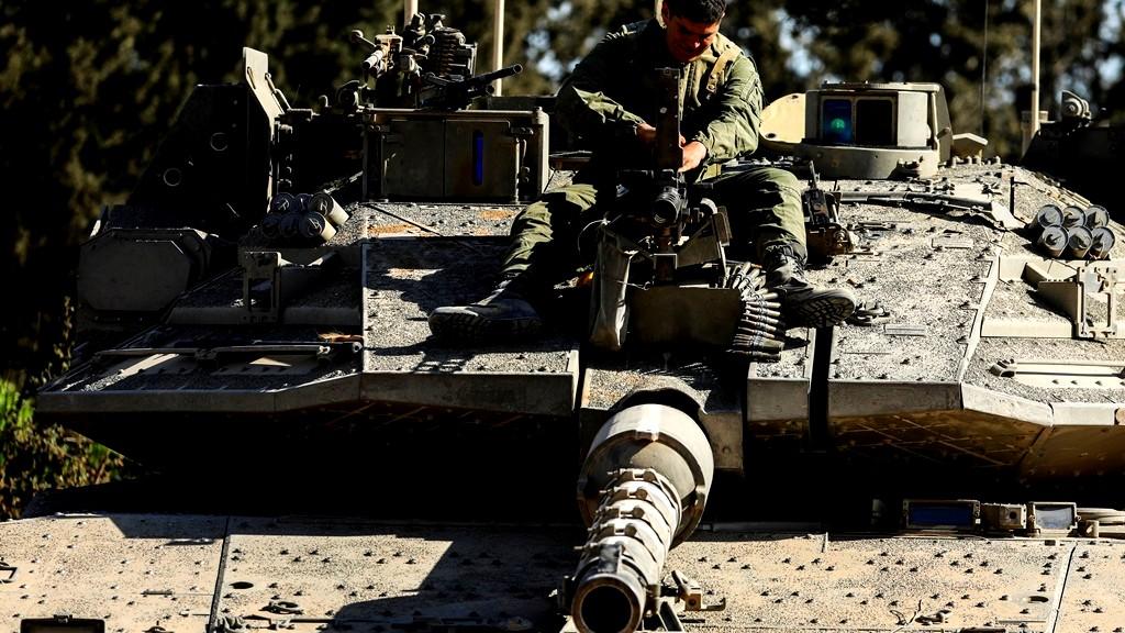 قصف اهداف لحزب الله على الحدود السورية