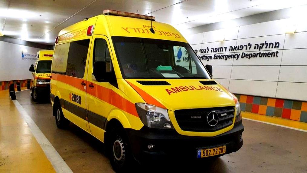 اصابة شاب بجراح خطيرة بعد تعرضه للطعن بقاعة افراح