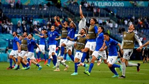 إيطاليا تهزم ويلز ويترافقان لثمن النهائي