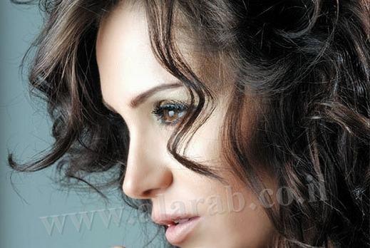 السوريه ديما قندلفت لن اتزوج لأن الرجال لا يبحثون زوجة ذات شخصية استقلالية